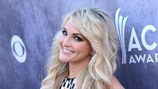 Britney Spears kishúga hatalmas késsel fenyegetőzött