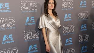 Angelina Jolie rettentően vékony