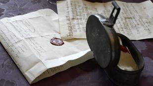 Jó régi időkapszulát találtak Tiszaszentimrén