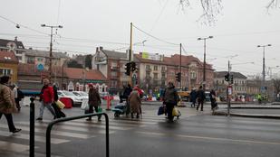 Most akkor kaotikus a Széll Kálmán tér felújítása vagy sem?