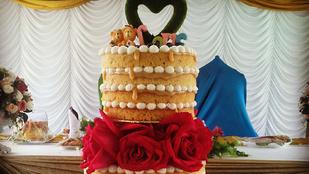A meztelen torta az új esküvői trend