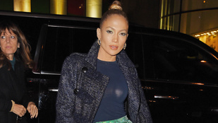 Jennifer Lopez mellei vakura villannak
