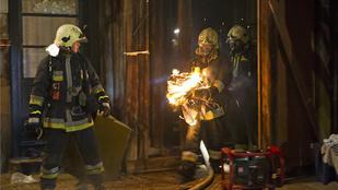Tűz a 13. kerületben:egy embert kórházba szállítottak