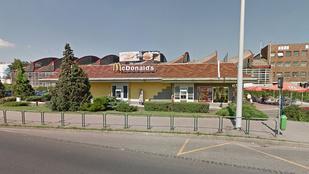 Húsz év után bezárt a Kőbánya úti McDonald's