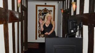 Az egyik legrégebbi brit házból szvingerklub lett, kiakadtak a helyiek