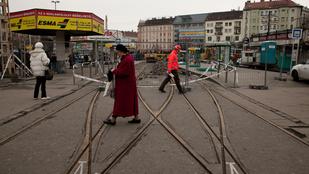 Tragédia a buszközlekedés a feltúrt Széll Kálmán téren