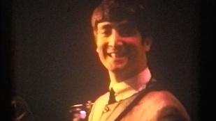Soha nem látott színes képek kerültek elő a Beatlesről
