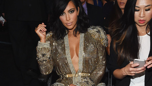 Kim Kardashian mellei bemutatják: a Grammy nyertesei