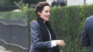 Angelina Jolie lábai már fájdalmasan véznák
