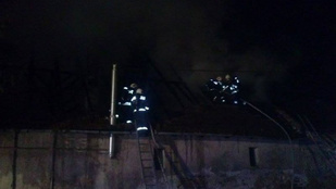 Kigyulladt egy családi ház tegnap Pomázon