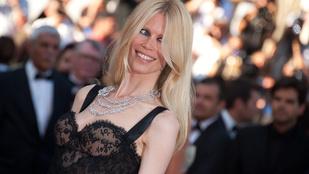 Claudia Schiffer borzasztó hajjal is jól nézett ki