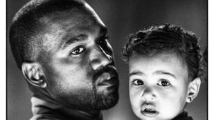 Komor portré készült Kanye Westről és lányáról