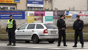 Lövöldözés Csehországban: 8 halott