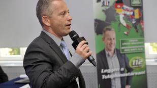 Schobertnek 100 millió forint értékű részvényét zárolták