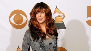 Cher kezd cikis nagyi lenni