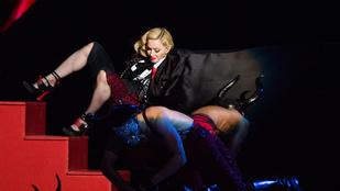 Madonna három lépcsőt zuhant a színpadon
