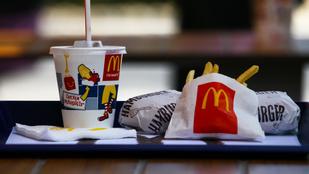Mindenki nyugodjon meg, a mekis burger nem azért nem rohad, mert műanyag