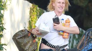 Patricia Arquette lecsúszott gatyában bénázott