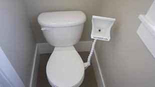 Bizarr megoldás született a vécéülőke örök problémájára