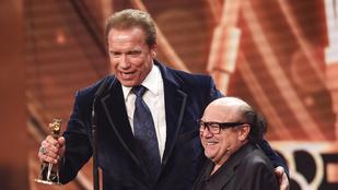 DeVito és Schwarzenegger együtt parádézott a német díjátadón