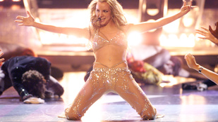 Britney Spearsnek leesett a fele haja a koncertjén