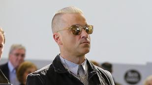 Mi történt Robbie Williams hajával?!