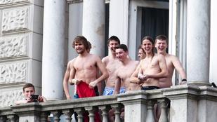 Újra félmeztelen emberek egy tüntetésen, Budapesten!