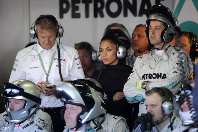 Nicole Scherzinger a Mercedes-boxban