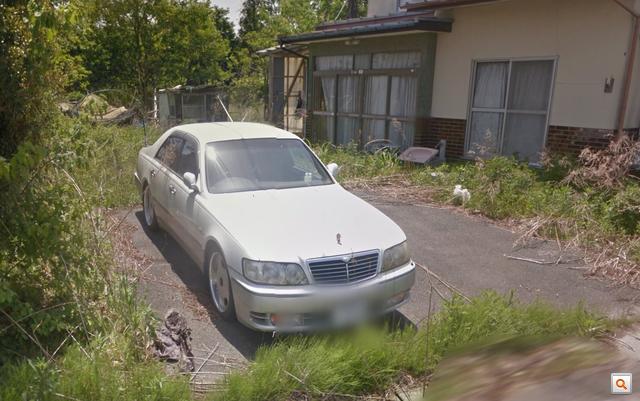 Egy Toyota/Lexus Celsio Tomioka-külsőn