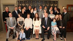 Katalin hercegné jól mutat a Downton Abbey díszletében