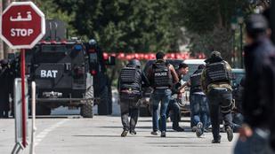 22 halottja van a tuniszi terrortámadásnak