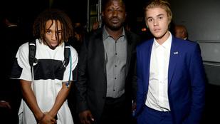 Justin Biebertől több száz millió forintot követelnek a tojásdobálásért