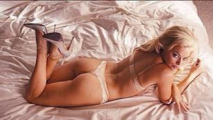 Margot Robbie fehérneműs fotóval nosztalgiázik