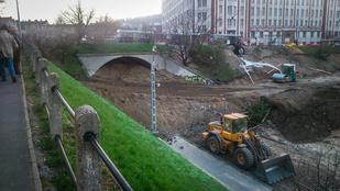 Ez varázslat! Eltüntették a Széll Kálmán-i alagutat!