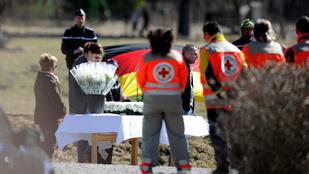 Az az idióta megölte az unokámat! - megszólalt a Germanwings kapitányának családja