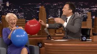 A héliumot szívó Helen Mirrennél nincs cukibb
