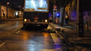 Elhunyt a múlt éjjel buszmegállóban elütött férfi