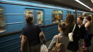 Elsodort valakit a metró a Nyugatinál