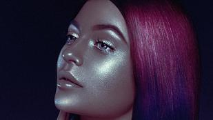 Kylie Jenner már csak fémes fejjel tudja felhívni magára a figyelmet
