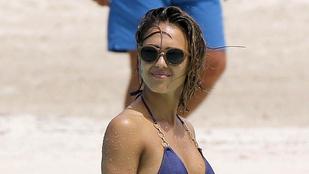 Apró bikiniben sznorkelezett Jessica Alba