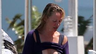 Uma Thurman bikinis teste elég erős
