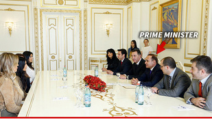 Felrobbant az univerzum: Kardashian az örmény miniszterelnökkel tárgyalt