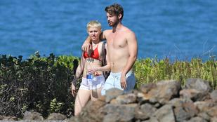 Miley Cyrus dolgozik, míg a csajozó pasija bulizik