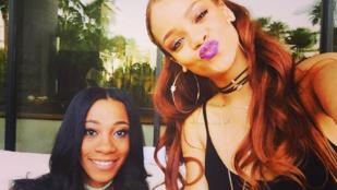 Így sodorja a cigit Rihanna