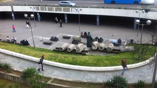 Fiktív otthont kaptak a Boráros téri hajléktalanok