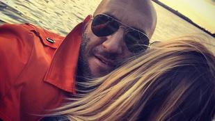 Berki Krisztián új nője hajával pózol. De ki lehet ő?