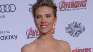 Scarlett Johansson és Robert Downey Jr. szelfije pöpec lett