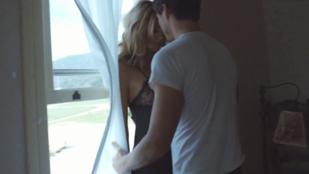 Éden Hotel-módra szexel Heidi Klum Sia új klipjében