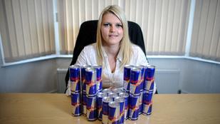 Napi 24 Red Bullt ivott meg, hipnózissal szokott le