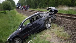 Vonattal ütközött egy autó Zalakomárnál